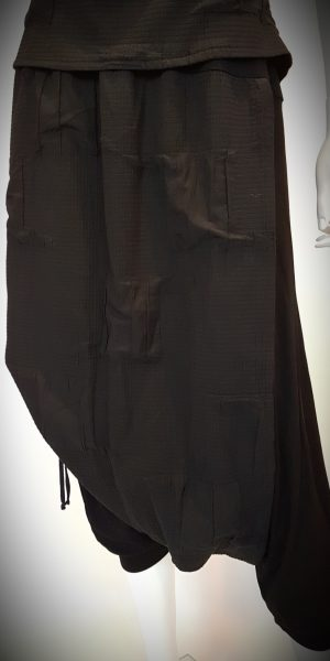 Detail broek-rok van Elsewhere bij Sjàzz-design