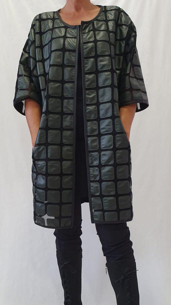 Nör bij Sjàzz Design, Nör vestjas, groene kimono