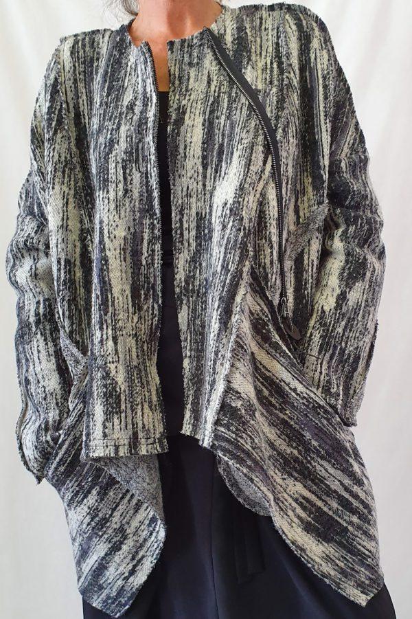 Crea, collectie najaar 2019 Crea, Crea bij Sjàzz, vest/jas van Crea, 50% wol dus kriebelt niet!