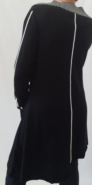 Jurk/tuniek van Rimini, zwarte jurk met witte streep, najaarscollectie rimini, Rimini bij sjàzz
