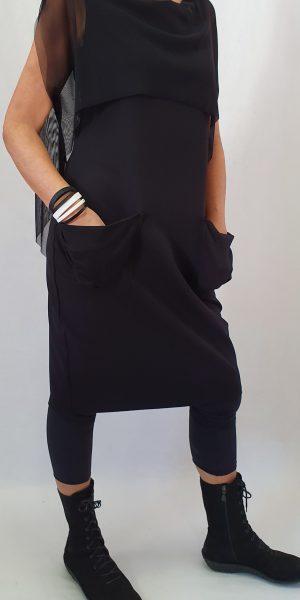lange zwarte jurk, Xenia Design, Xenia Design bij Sjazz, Zwarte jurk van Xenia Design