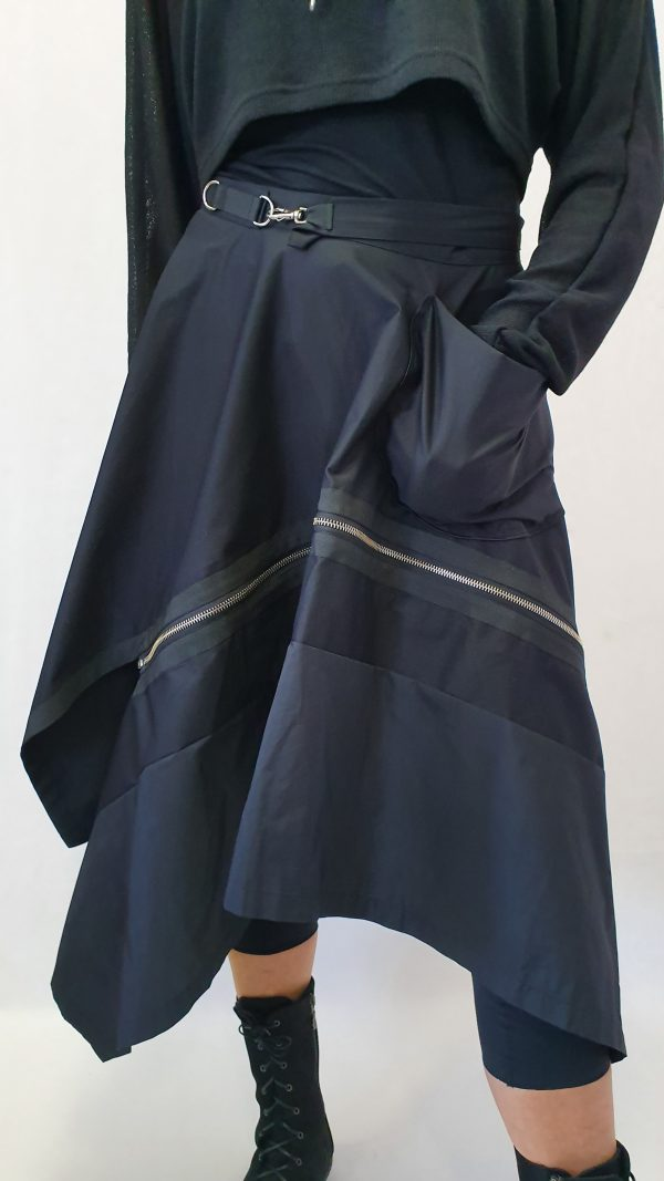 afritsbare rok, aparte zwarte rok, Mooie katoenen rok, Xenia Design, Xenia Design bij Sjazz, zwarte wikkelrok