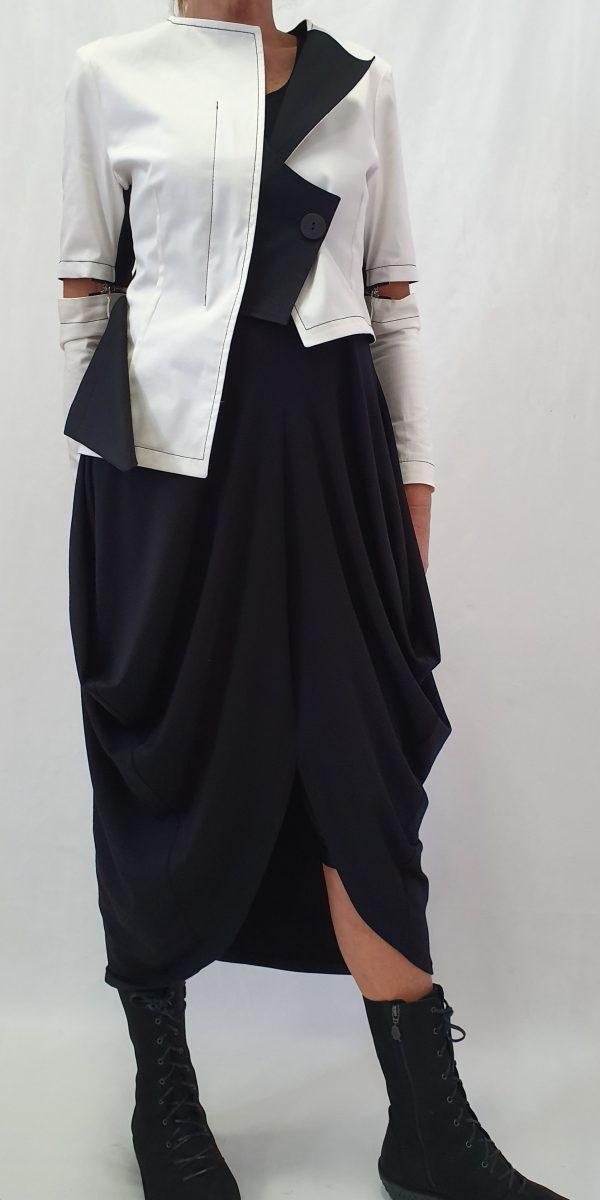 aparte basis jurk, aparte jurk, Aparte kleding, exclusieve kleding, grote maten, Sjàzz, Sjàzz Roosendaal, zwarte jurk