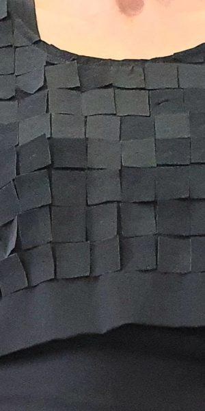 Bijzondere top uit de Sjàzz collectie in zwart en blauw