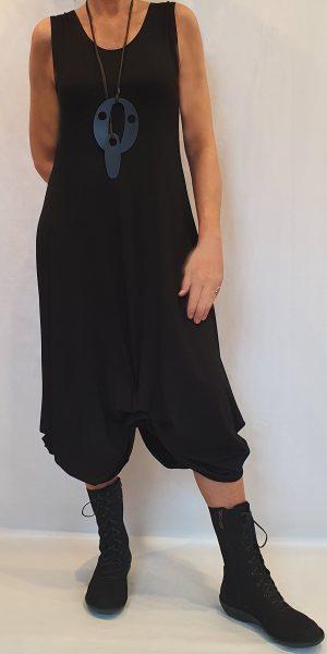 jurk van Sjàzz. Aparte basis jurk, zwarte tricot jurk, zwarte zomer, mode van sjàzz