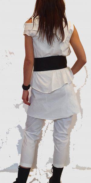 #Sjazz design#, # elsewhere#, # Blouse#, # Lange blouse# , #zwarte blouse#, # Off white blouse#, # Broek met rokje#, #Off white broek#, # aparte riem# # Zwarte broek#, # Aparte kleding#, # bijzondere mode#